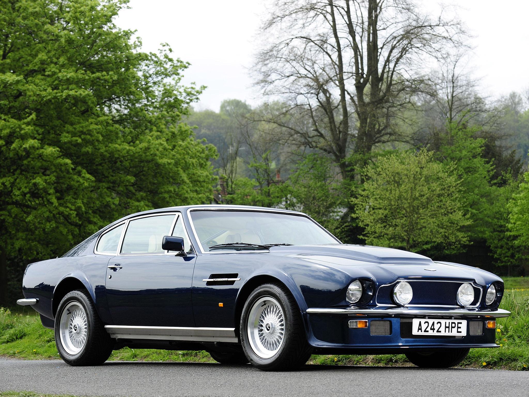 77 Aston Martin V8 Vantage – Idea di immagine auto