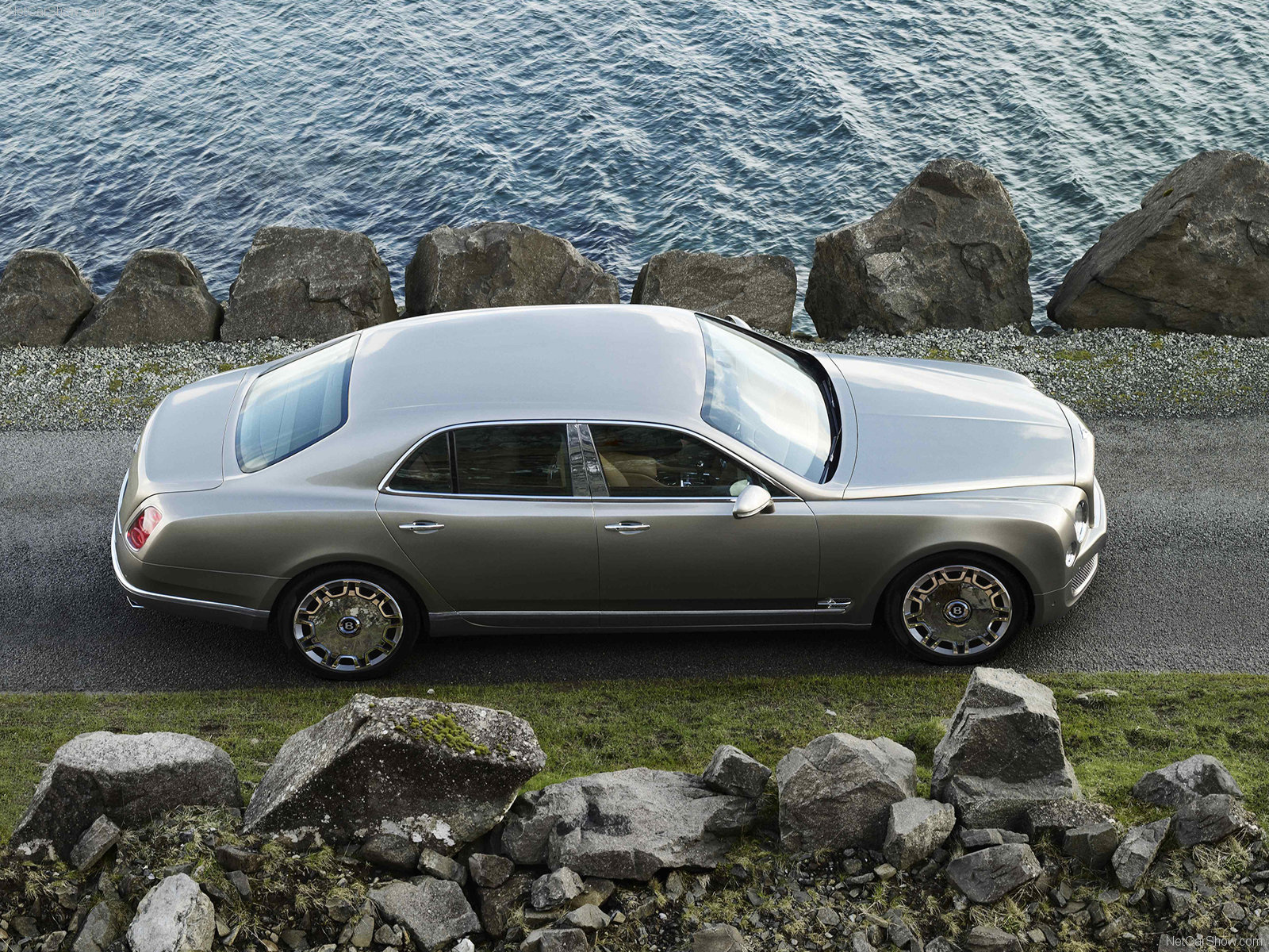 Bentley Mulsanne Sedan 2010