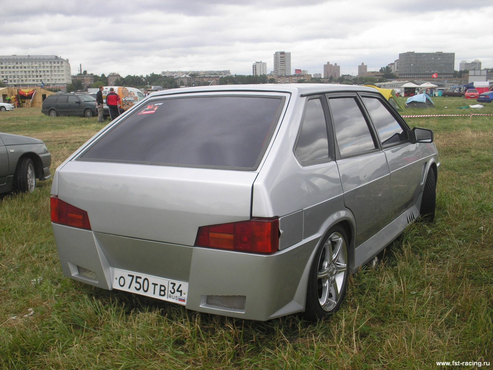 Lada 2109 5 Door Hatchback 2004