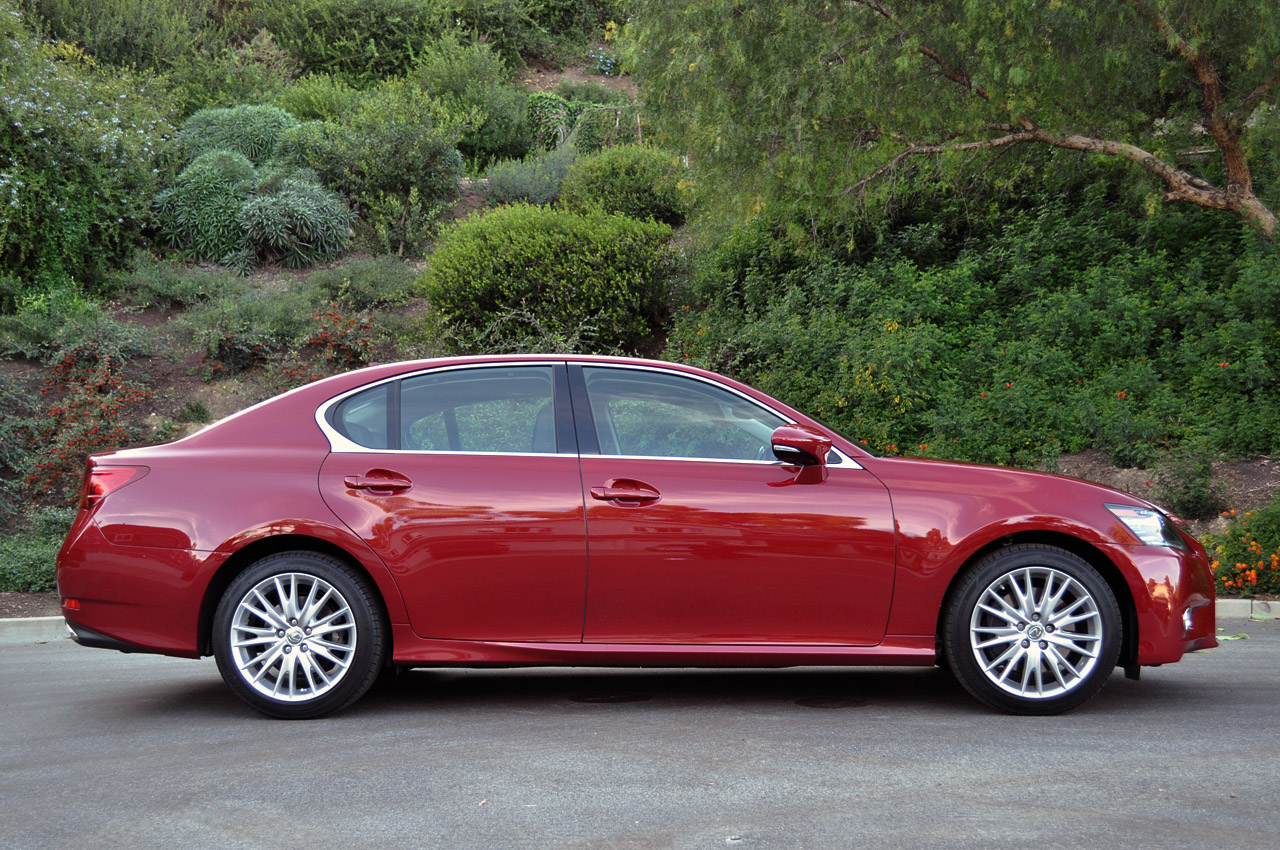 Lexus GS Sedan 2012