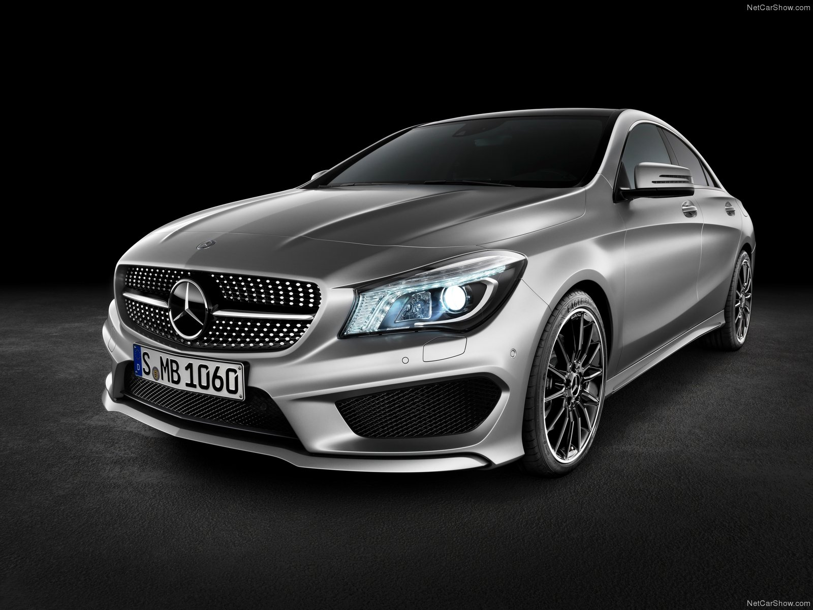 3dtuning of mercedes cla class 4 door coupe 2014 unique on line car configurator. Black Bedroom Furniture Sets. Home Design Ideas